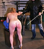 Blobe babe suffers in extreme sulky whipping torture